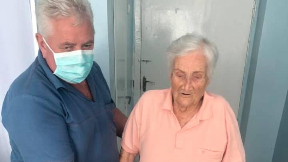 «Починаю ходити». У луцькій лікарні 95-річній пацієнтці замінили суглоби