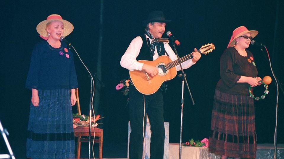 «Тріо Маренич» на унікальних світлинах кінця 90-х. ЗГАДАТИ ВСЕ
