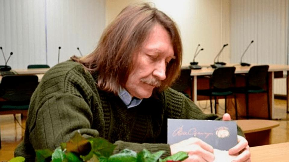 Волинський письменник просить віддати йому «Золотий хрін»