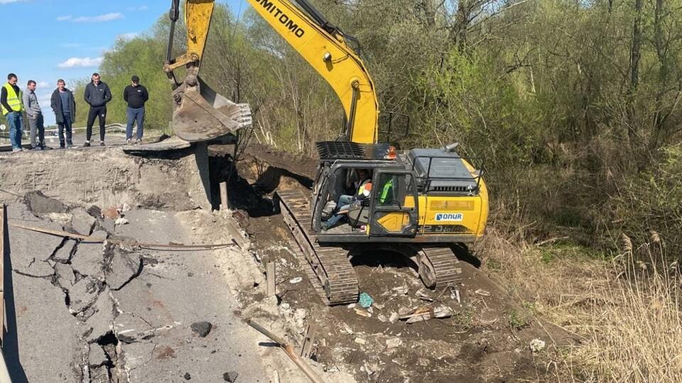 Міст через Західний Буг на трасі «Луцьк –Львів» зруйнували водії фур, –експерт