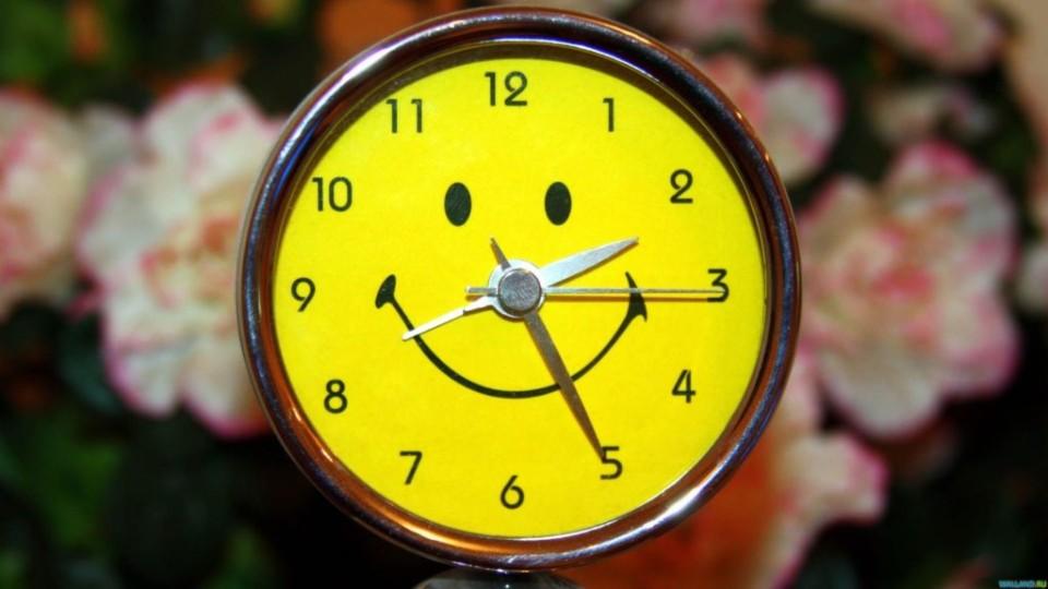 Коли переводитимуть в Україні годинники на літній час