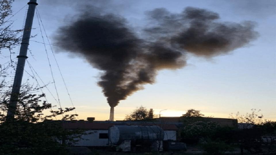 Лучани скаржаться на кашель і задишку у дітей через дим з цукрового заводу