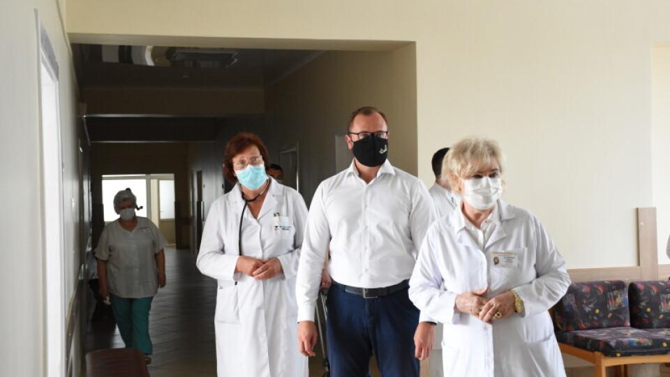 Луцька лікарня отримала нові апарати штучної вентиляції легень