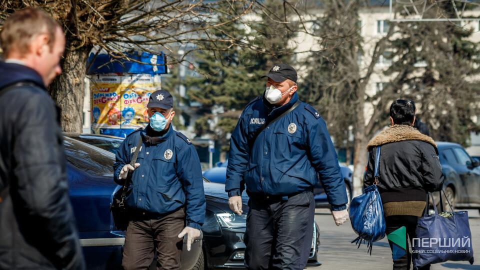 Волинські поліцейські отримують доплати за ризик заразитись коронавірусом