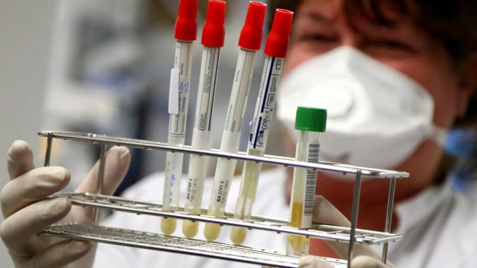 За добу коронавірус виявили у понад 800 українців. Тих, хто одужав, – більше