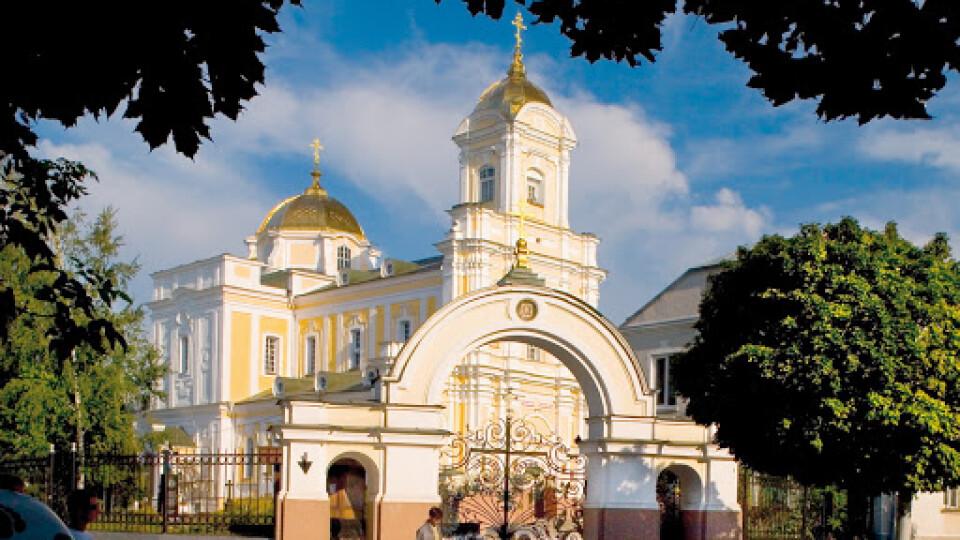 Як будуть проходити служби у волинських церквах на Вербну неділю та Великдень