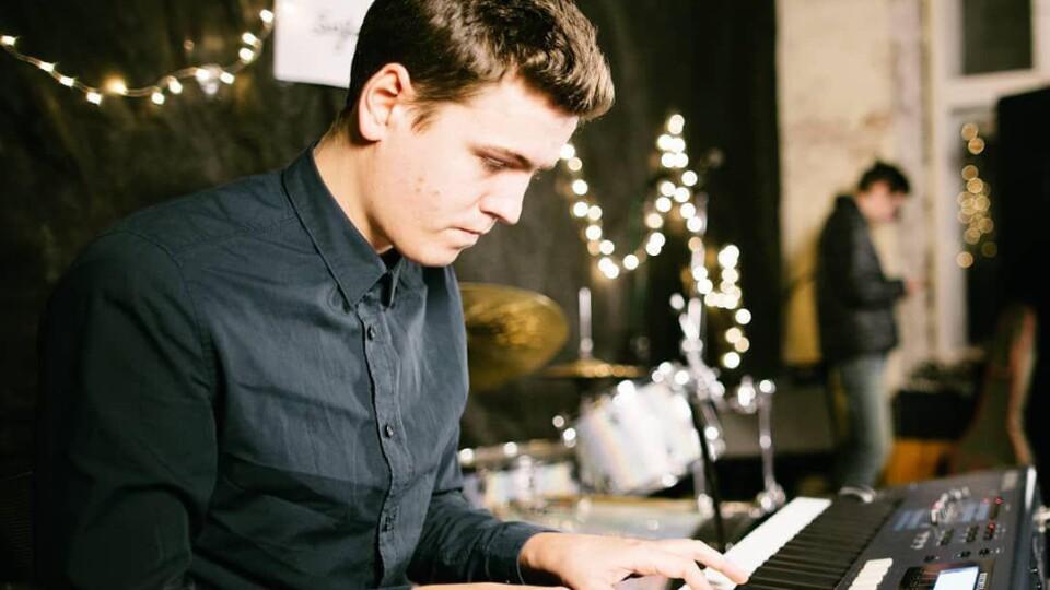 «O'Jazz'DOit»: у луцькому джаз-клубі виступить піаніст зі Львова
