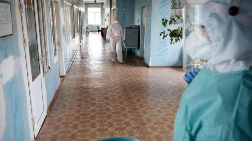 В Україні побільшало нових випадків коронавірусу. На Волині за добу – 41 інфікований і 4 смерті