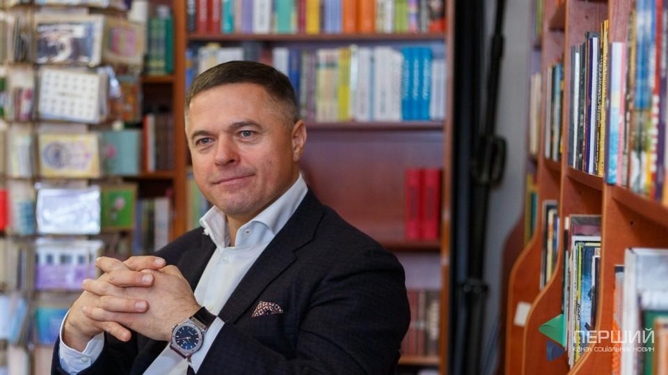 «Усе бізнес, бізнес... А іноді треба переключатися». Петро Пилипюк. РОЗМОВА В КНИГАРНІ