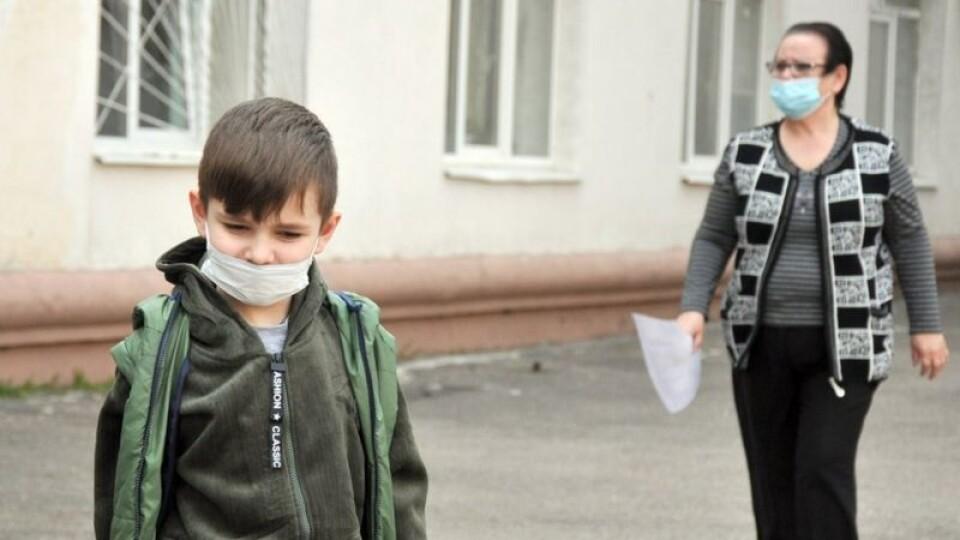 В Україні встановили нові правила карантину. Куди не пускатимуть без щеплення