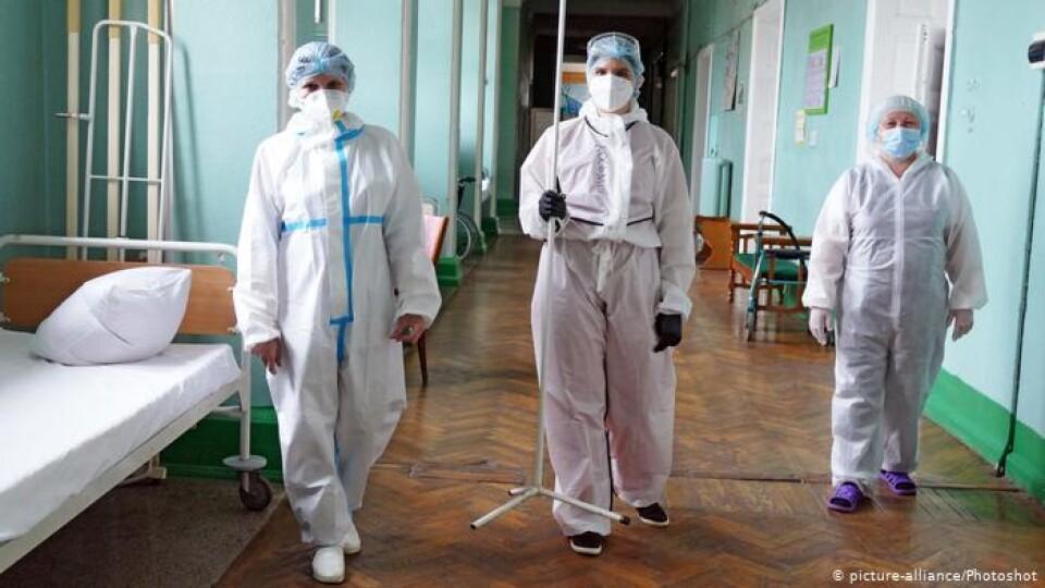 За минулу добу в Україні виявили 6 988 випадків коронавірусу
