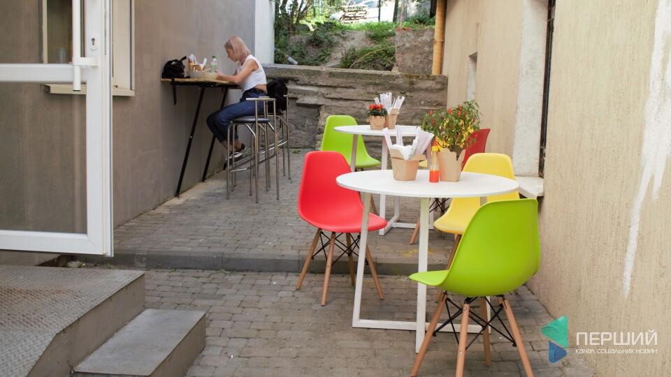 У центрі Луцька відкрилось кафе японської кухні. Там не готують суші
