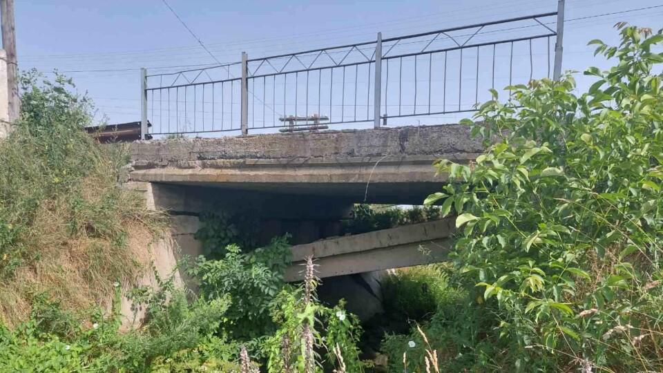 У селі на Волині просять негайно обстежити міст, він ось-ось впаде