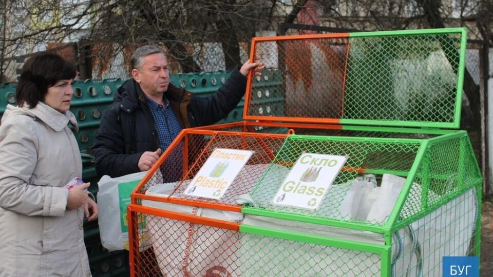 Безкультур'я і вандалізм. У Володимирі підприємець більше не хоче займатися роздільним збором сміття