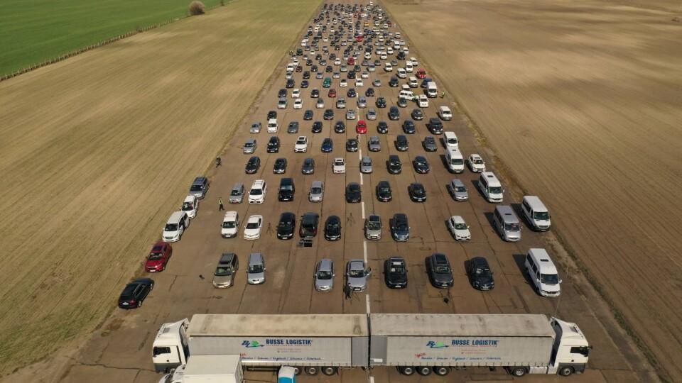 У «церкву на колесах» під Луцьком з'їхалося 250 автівок. Відео