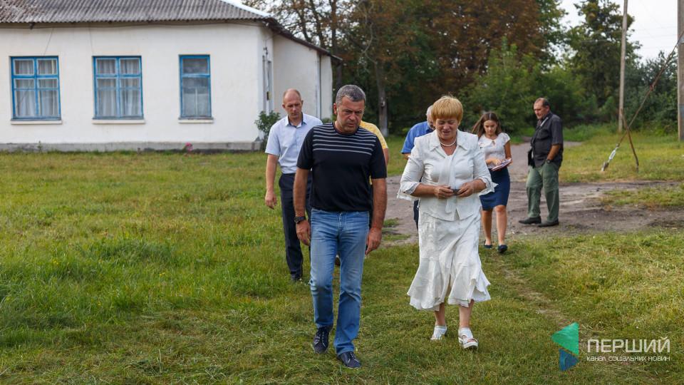 Садочки без опалення, школа під шифером та дискотека:  візит Сергія Мартиняка у Рожищенський район