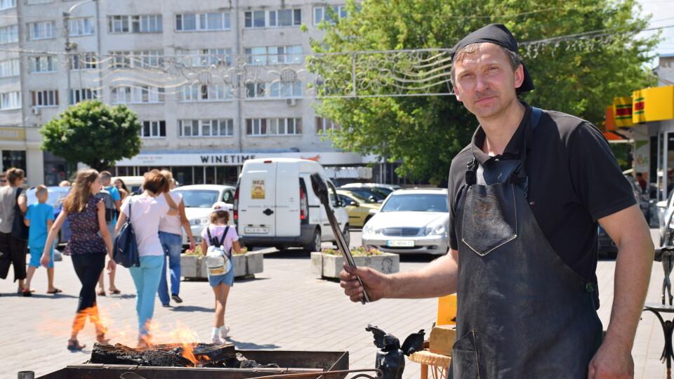 Рівненчанин презентував у Луцьку професію коваля