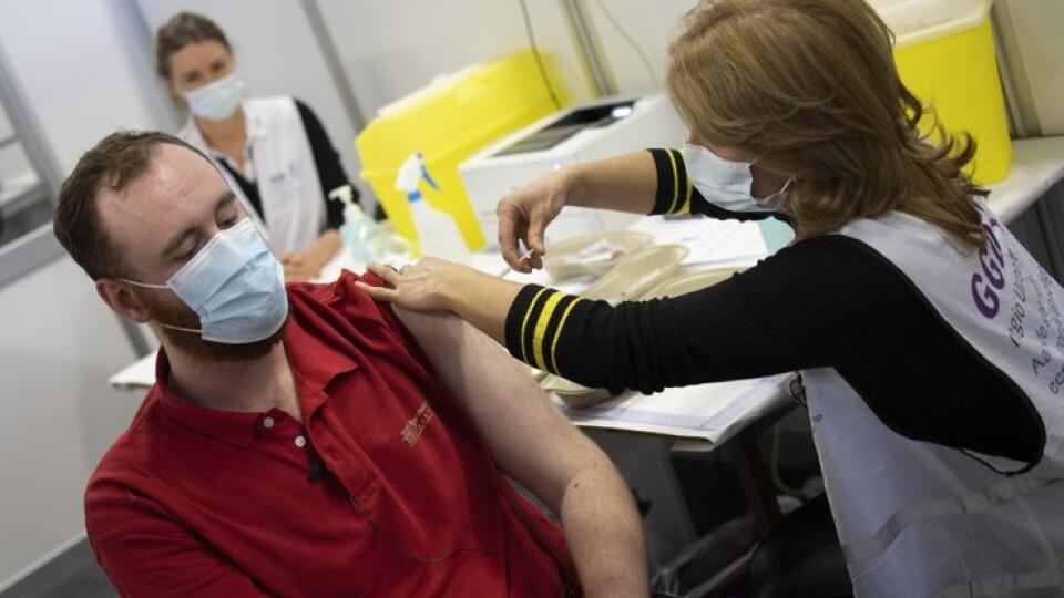 Українцям вже зробили більш ніж мільйон щеплень від COVID-19
