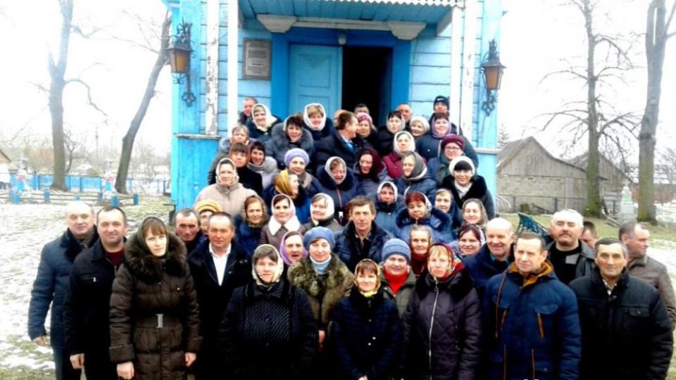 «Людей – як на Пасху»: у храмі  на Волині, який вийшов з МП,  вперше молилися українською. ФОТО