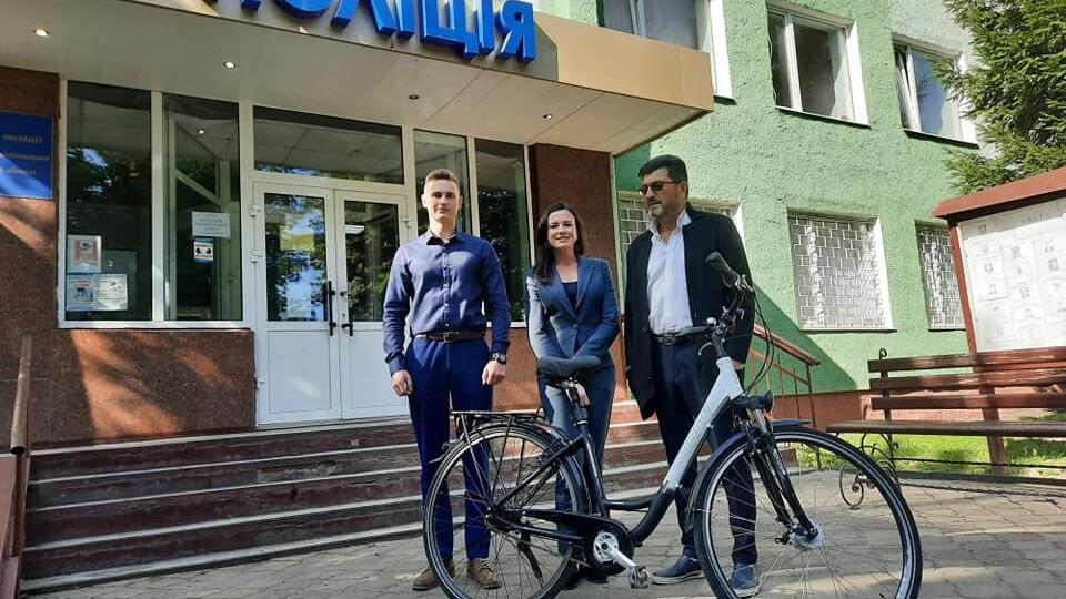 Поліція знайшла викрадений велосипед луцького письменника Володимира Павліка