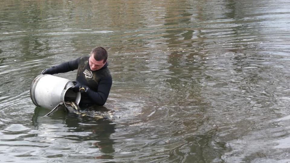 У річку на Волині випустили 350 кілограмів риби