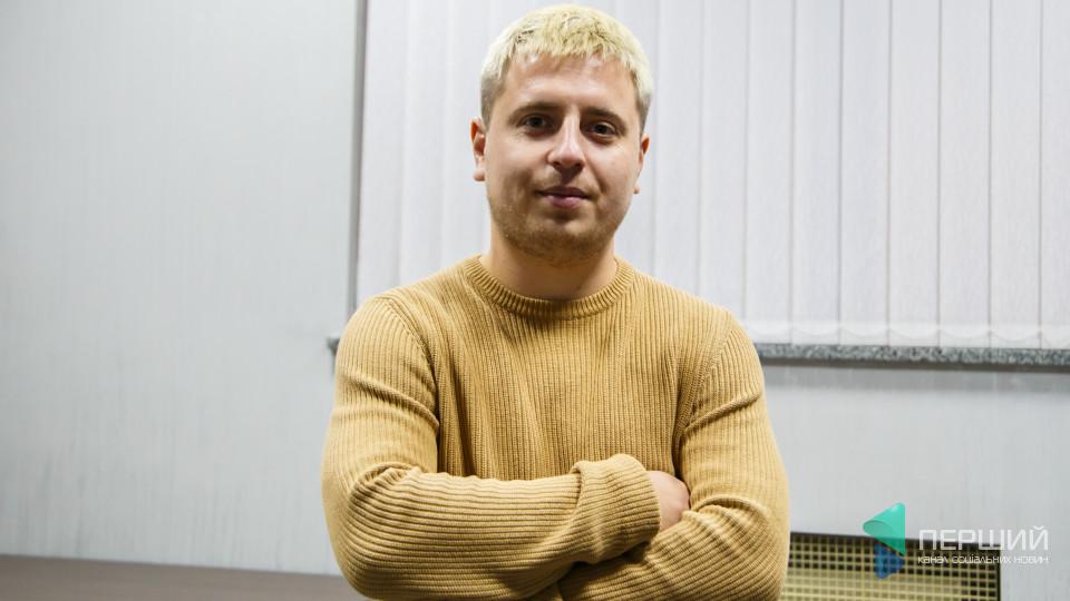 Лучанин заробляє на годинниках із вінілових платівок. Історія успіху Максима Кузьмінчука