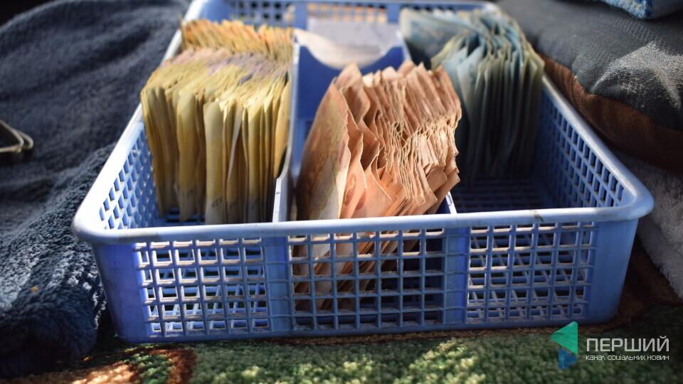 30-40% лучан досі платять в маршрутках готівкою
