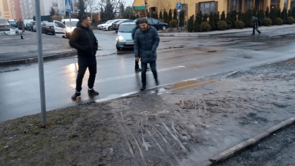 Лучани підтримали петицію про облаштування переходу на вулиці Кравчука