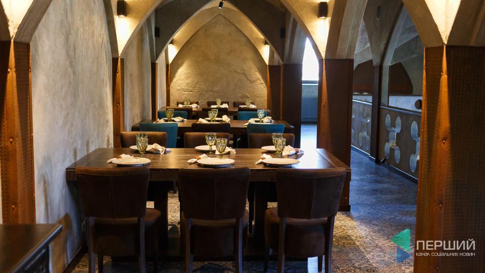 Ресторан «Корона Вітовта» оригінально «покарав» журналістів за написане. ФОТО