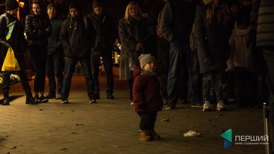 «Я пішов на Театральний». Холодний вечір через 6 років після революції у Луцьку. РЕПОРТАЖ
