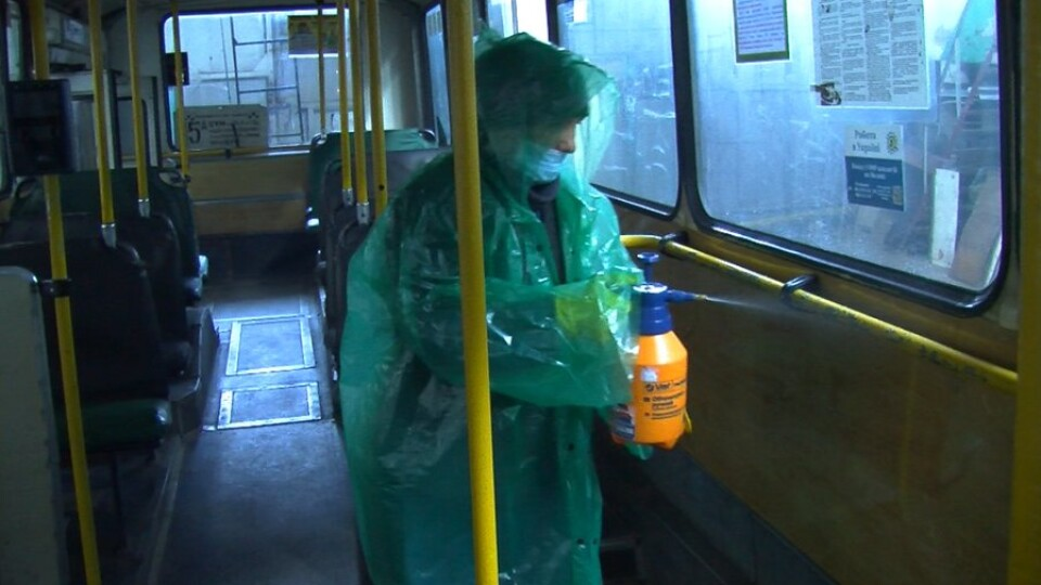Показали, як дезінфікують луцькі тролейбуси та маршрутки
