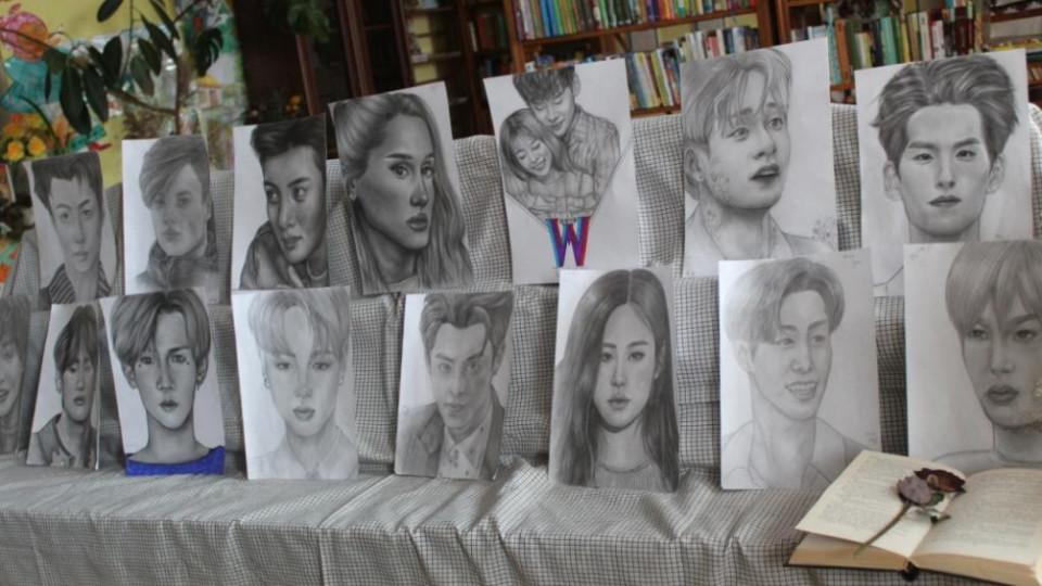 Юна волинянка талановито олівцем малює портрети. ФОТО