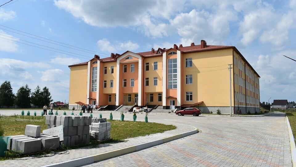 Скандал із відкриттям школи в Осівцях. Документи оформляють, обладнання довозять