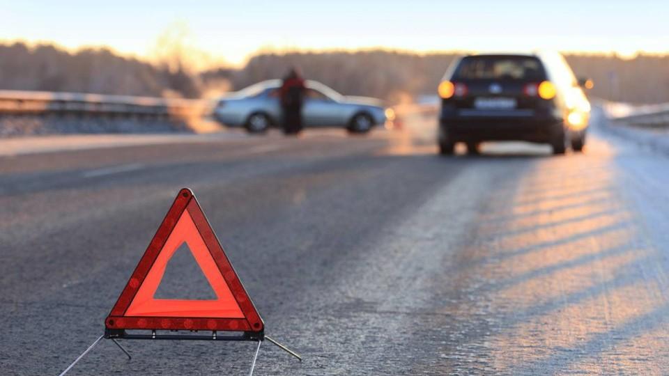 Під Луцьком машина злетіла у кювет, постраждали двоє дітей