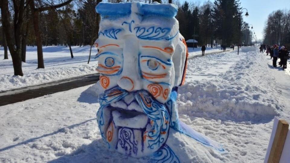 У Луцьку відбувся пленер снігових скульптур. Фото