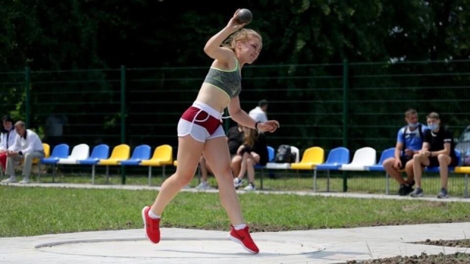 У Луцьку на базі «політеху» відкрили легкоатлетичний стадіон