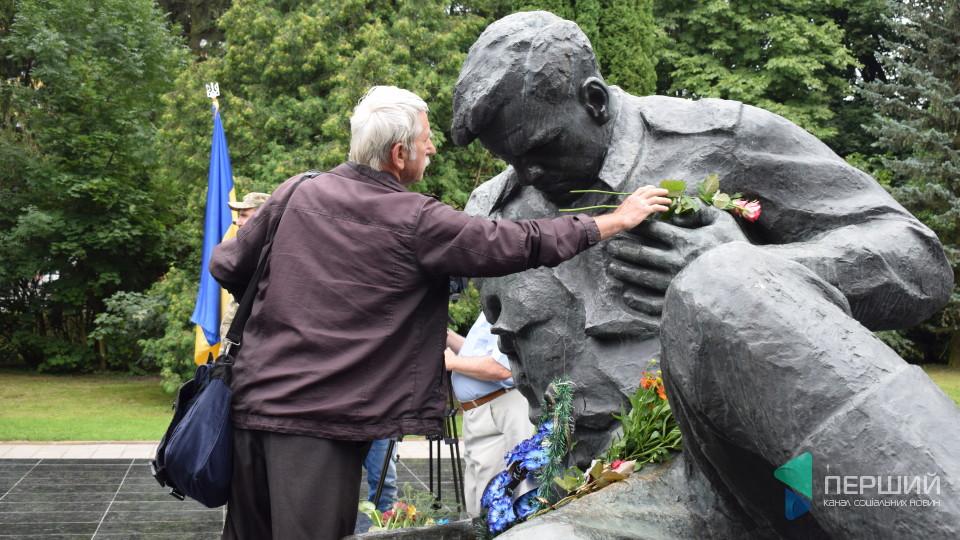 Лучани вшанували земляків, які загинули у Другій світовій війні. ФОТО