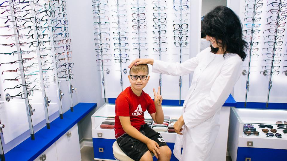 Як зберегти зір, якщо постійно «сидиш» в телефоні і комп'ютері. Поради від луцьких медиків