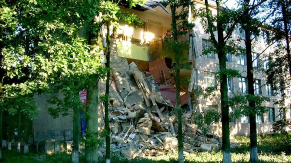 Коли відремонтують будівлю  Любешівського коледжу, яка завалилася два роки тому