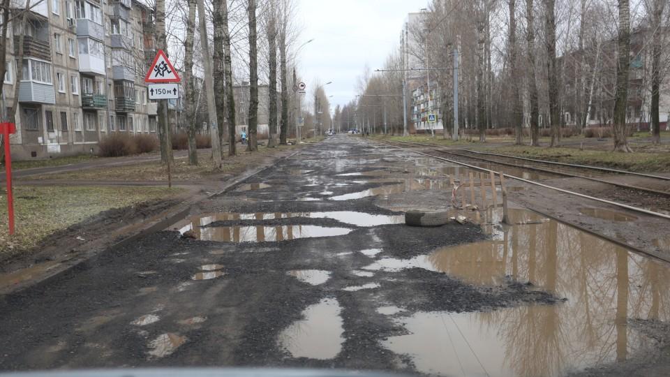У Луцьку відремонтують  вулицю Мамсурова і тротуар на Набережній