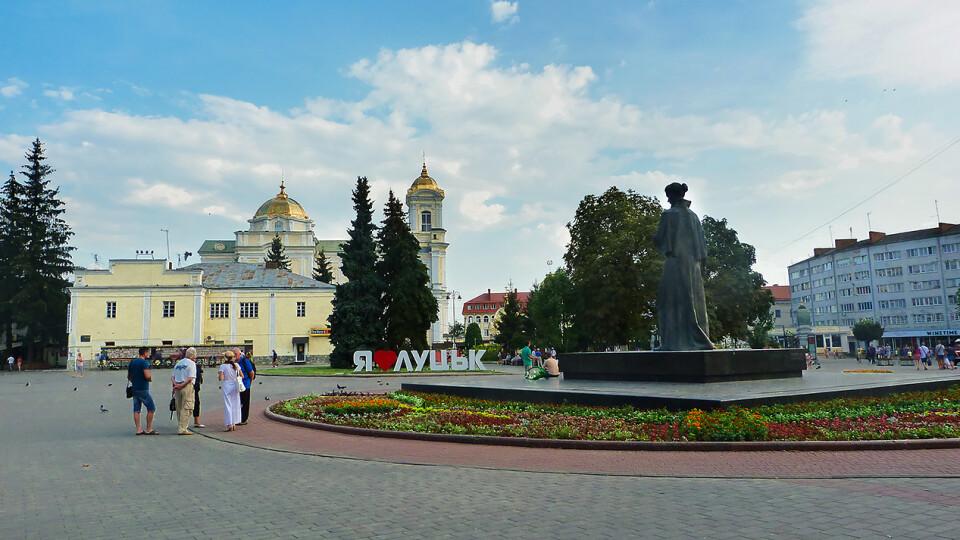 Через карантин у Луцьку цього року не відремонтують Театральний майдан