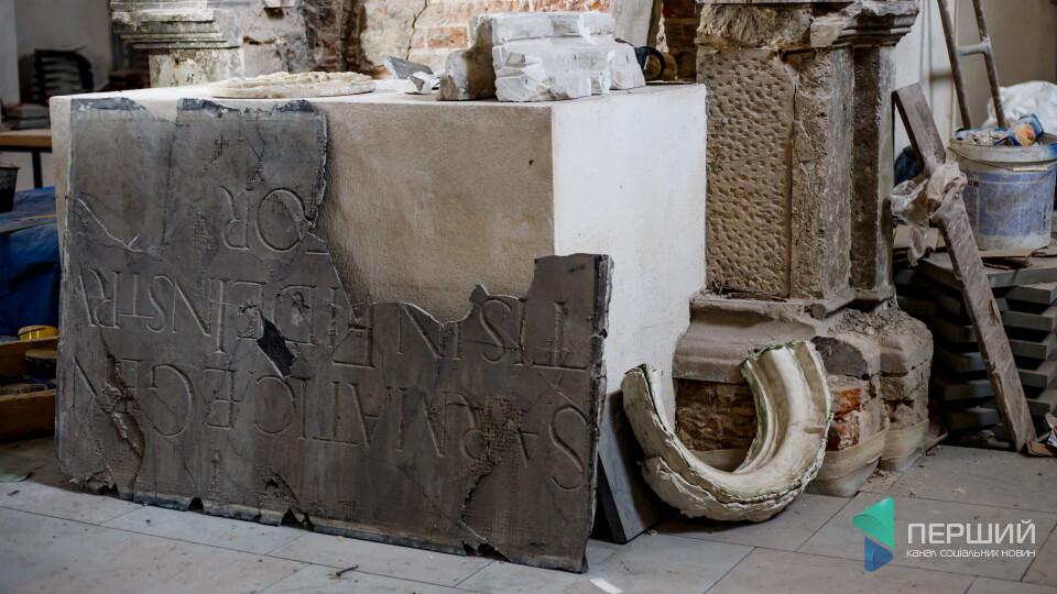 Як виглядає зсередини костел в Олиці. Там триває реставрація