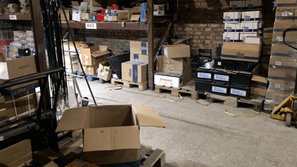 На Волині «накрили» фірму, яка незаконно продавала запчастини через інтернет