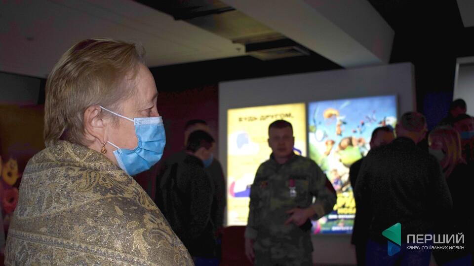 У Луцьку — допрем'єрний показ фільму про кіборгів «Трохи нижче неба». Як це було