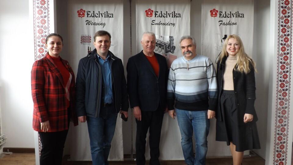 «З нашої тканини шиє вся Україна». Луцька райрада співпрацюватиме із брендом «Едельвіка»