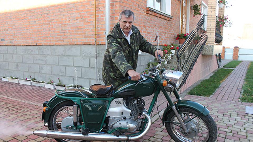 З купи металу народжується «залізний кінь», –  енергетик з Волині, який реставрує мотоцикли. ФОТО