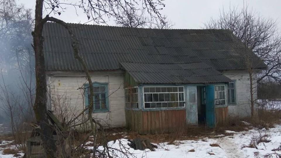 На Волині  віряни МП, які моляться в  хатині без світла і тепла, не просили приміщення в сільради