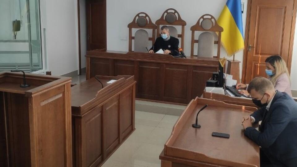 Колишня начальниця управління Волинської ОДА, яку звинуватили у хабарі, не прийшла у суд
