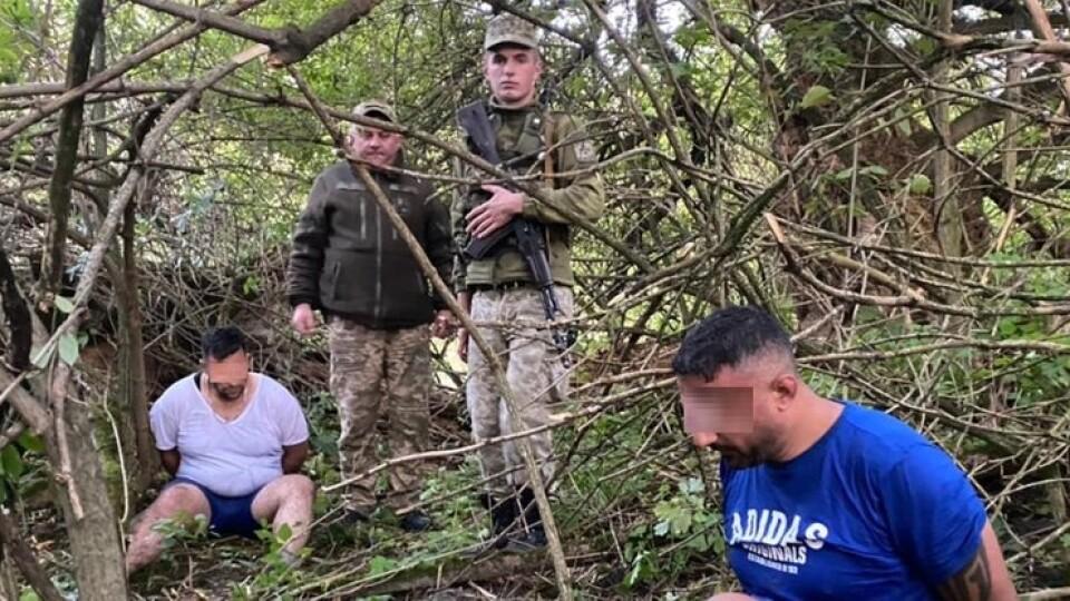 На Волині затримали нелегалів з Лівану. Вони втікали через річку, але течія повернула їх до берега