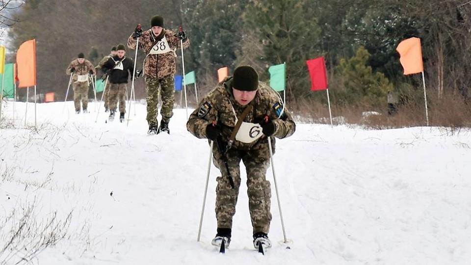 Бійці на лижах: у 14-й бригаді з Волині влаштували зимові змагання. ФОТО